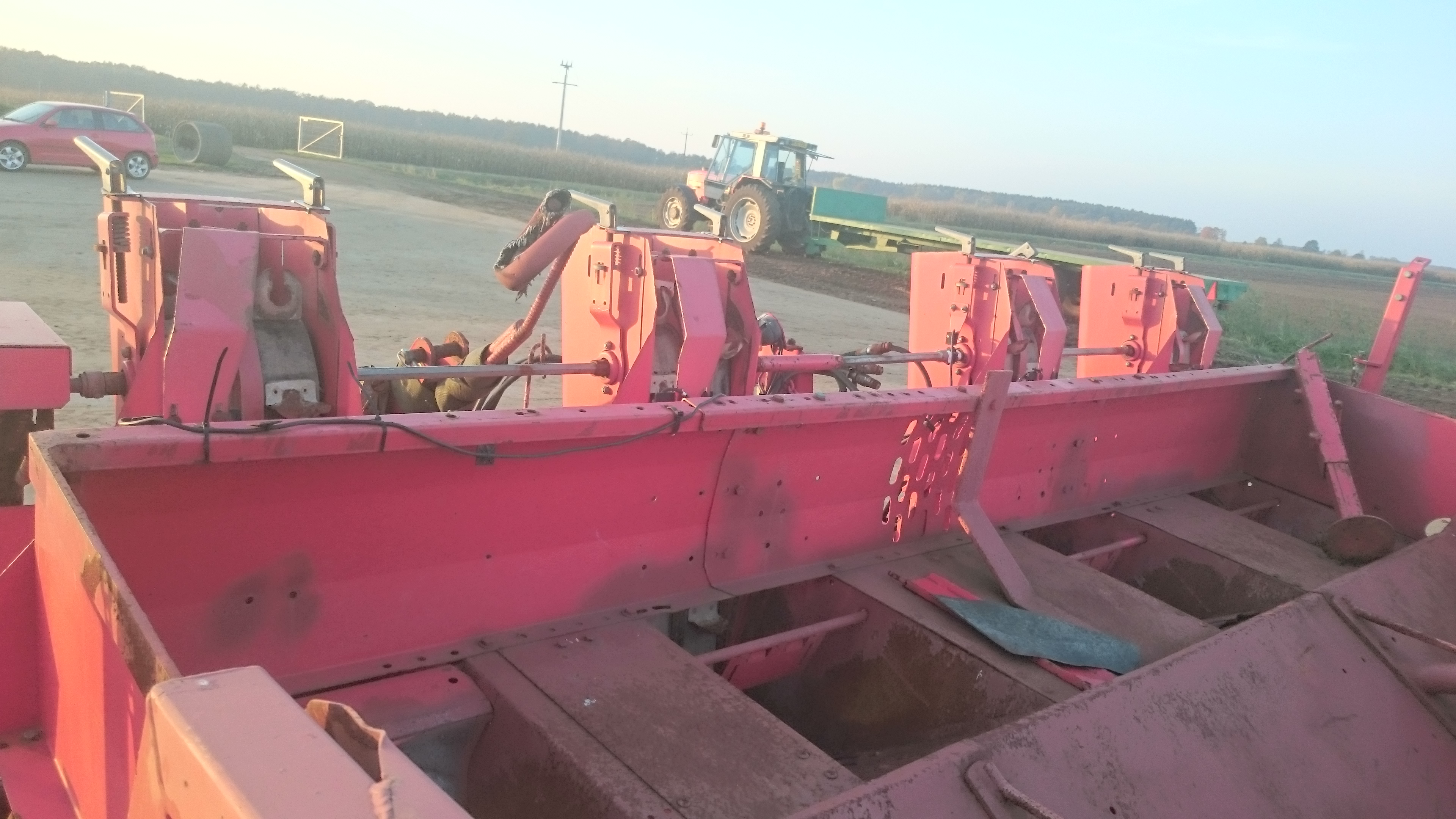 4 row potato planter