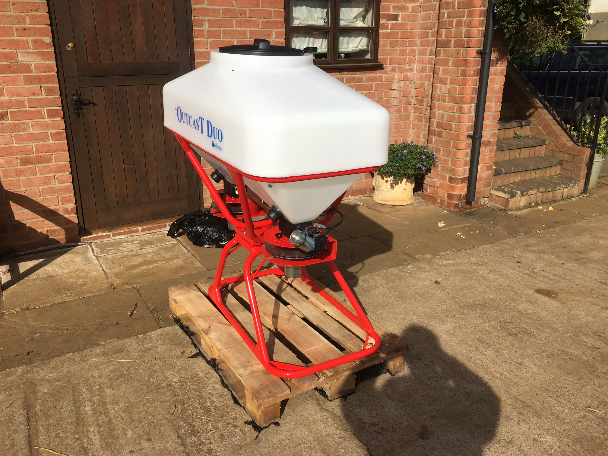 Techneat outcast duo 24 metre slug pelleter for sale